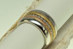 Edelstahl Ringset, gelbvergoldet und rosevergoldet mit Zirkoniasteinen