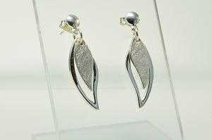 Ohrhänger glattes und gekratztes Silber Schatzinsel Niederrhein